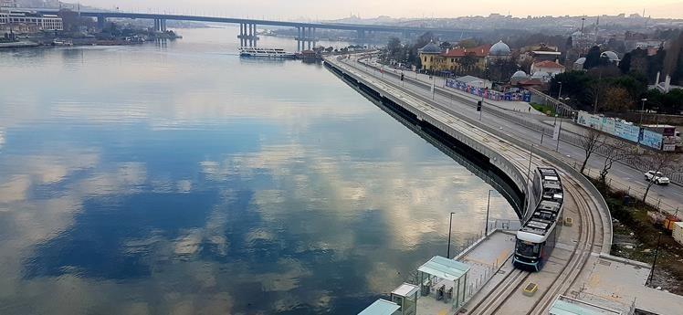 İstanbullular Haliç tramvayından çok memnun kaldı