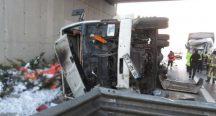 Beykoz'da kamyon kazası!