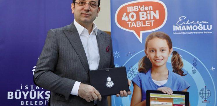 """40 bin tablet dağıtımını başlatan İmamoğlu: """" Zor günleri dayanışmayla aşacağız"""""""