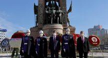 İmamoğlu,23 Nisan'nın 101.yıldönmünde Taksim'deydi