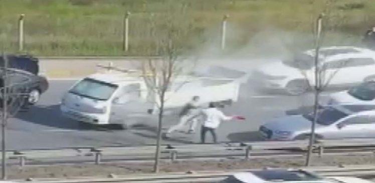 Beykoz'da trafikte yol verme kavgası