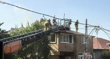 Beykoz'da bir binanın çatısında çıkan yangın söndürüldü